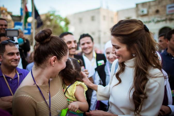 Photos : Rania de Jordanie : fini les vacances, elle se remet au travail... avec sa fille canon !