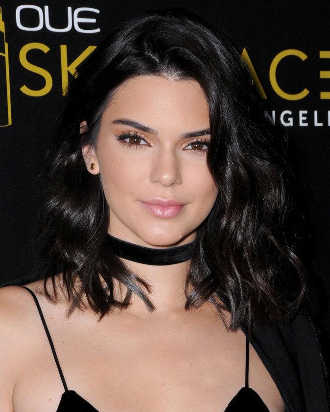 Le choker de Kendall Jenner