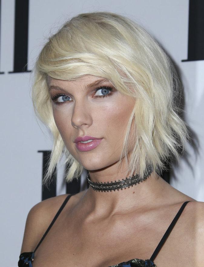 Le choker de Taylor Swift