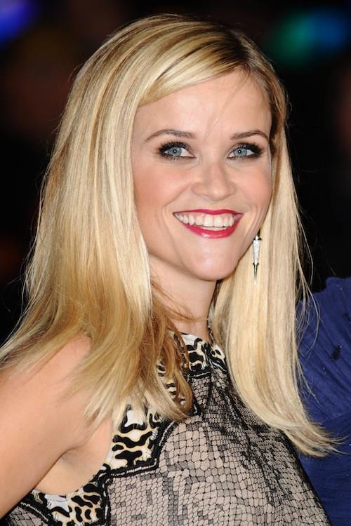 Photos : Reese Witherspoon : la pluie, ça la rend happy !