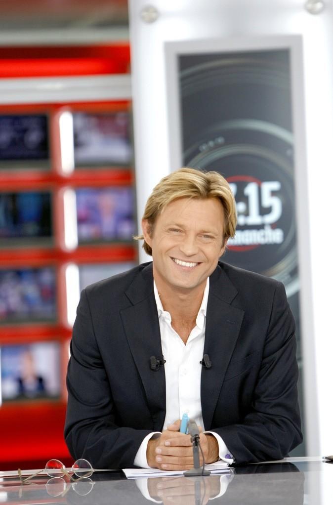 Laurent Delahousse sur le plateau de l'émission 13h15 le dimanche !