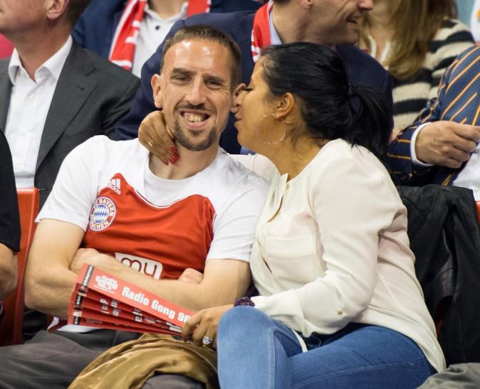 Franck Ribéry et sa femme Wahiba lors d'un match de basket à Munich, avril 2014
