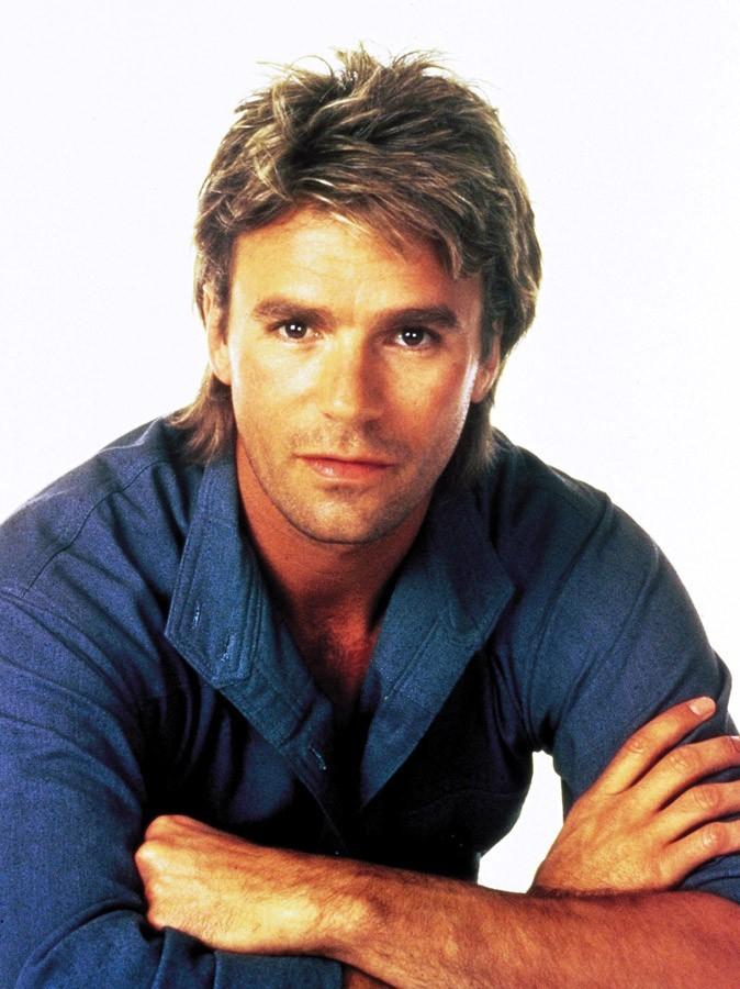 Photos : en 1985, Richard Dean Anderson a 35 ans et joue le rôle de MacGyver !