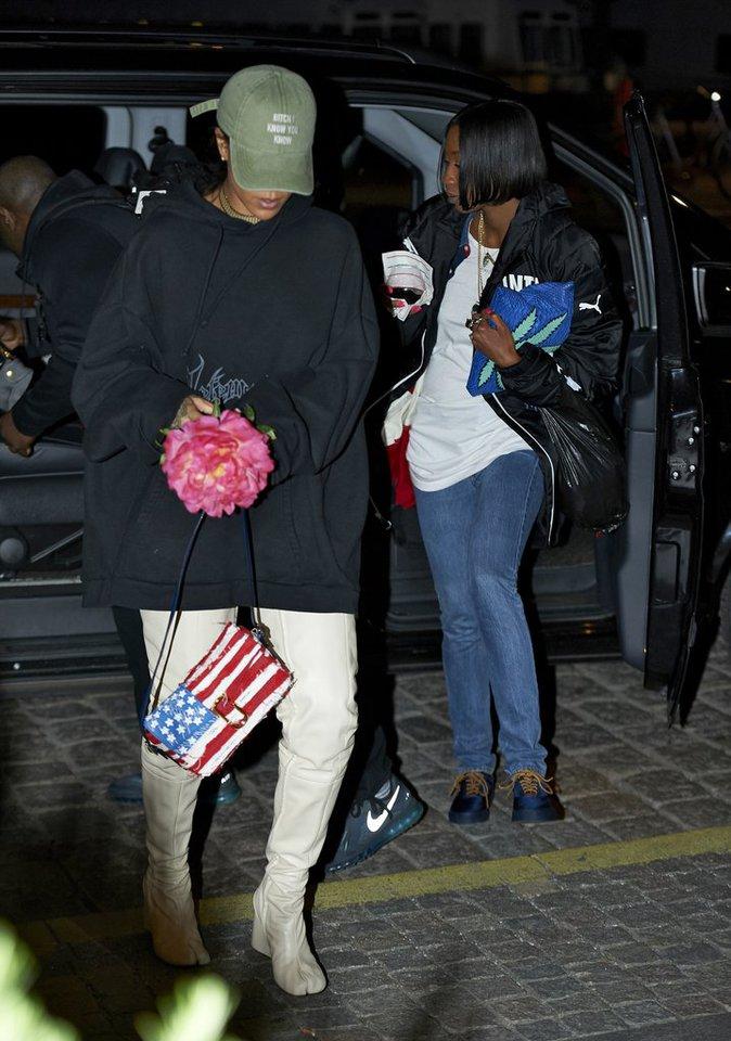 Photos : Rihanna annule un concert en Colombie ! Découvrez pourquoi !
