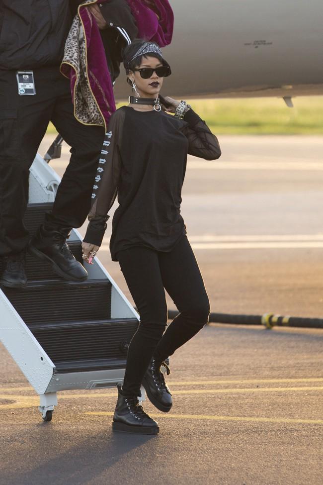 Rihanna à son arrivée à Adelaïde par jet privé le 26 septembre 2013