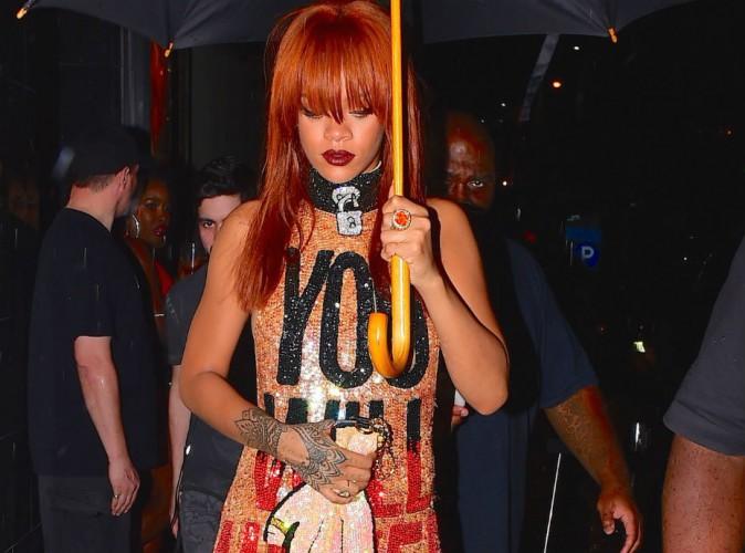 Rihanna : bombesque et flamboyante pour faire passer un message !