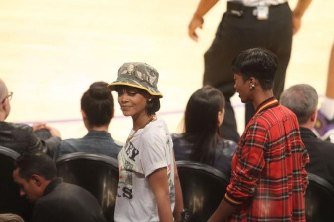 Rihanna au Staples Center de Los Angeles le 22 novembre 2013