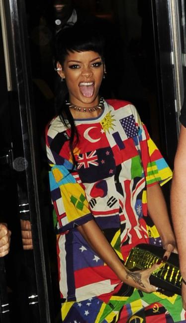 Rihanna à la sortie de son hôtel à Londres, le 11 septembre 2013.