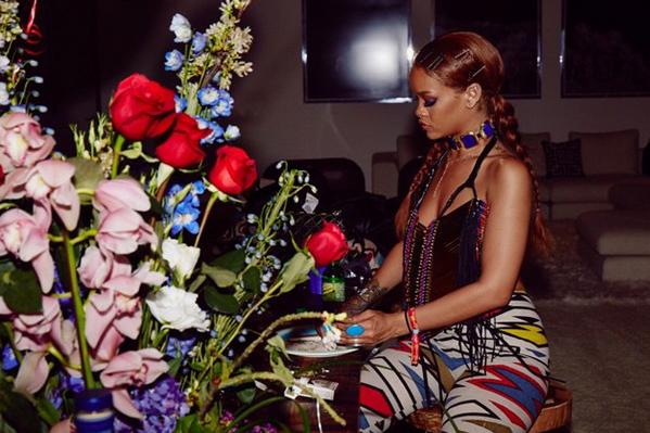 Photos : Rihanna : déchaînée au concert de Drake, pas question de prendre la poudre... D'escampette !