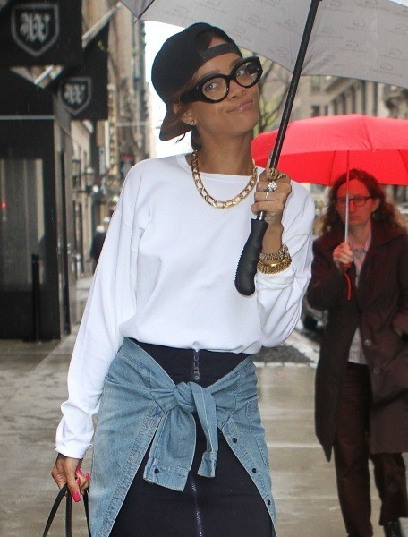 Rihanna sous son Umbrella-ella-ella...