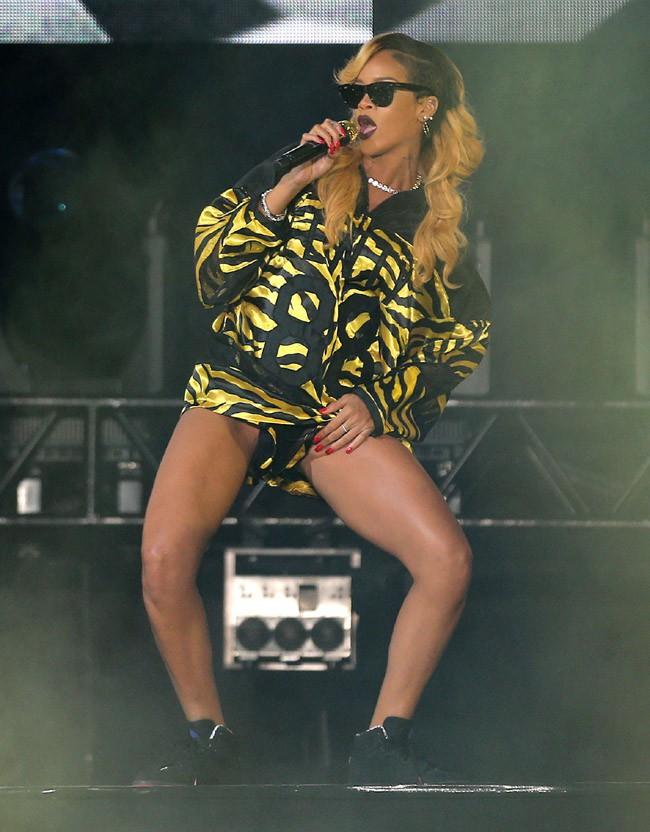 Rihanna sur la scène du du T In The Park Festival, en Ecosse, le 13 juillet 2013