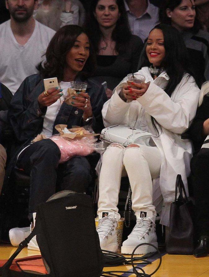 Rihanna a fait sensation au match des Lakers