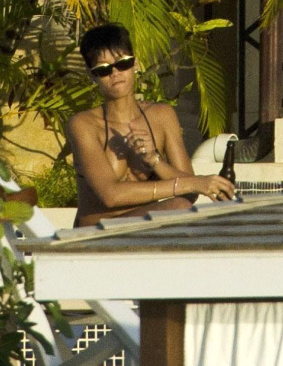 Rihanna en vacances à la Barbade le 19 décembre 2012