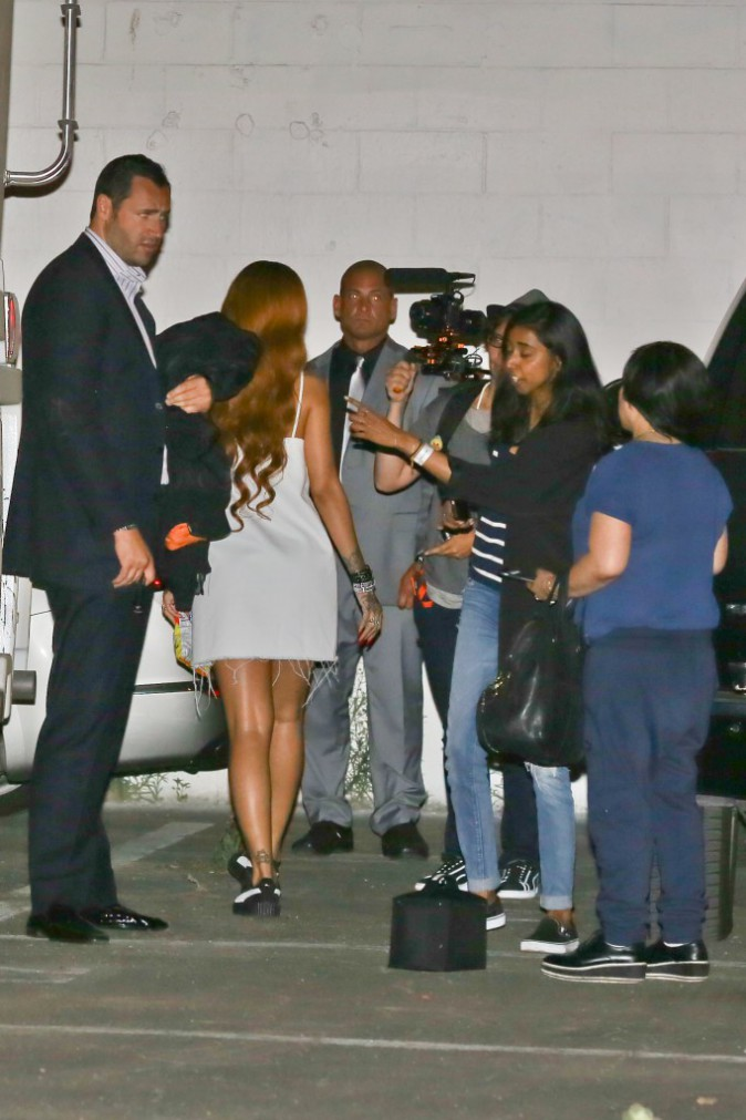 Photos : Rihanna kidnappe ses fans !