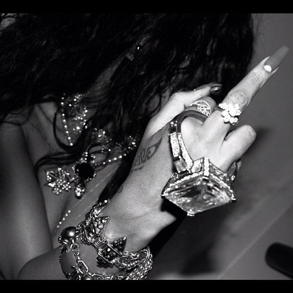 Comme cette photo le prouve, Rihanna aime annoncer la couleur à ses détracteurs ! La photo a été postée le 5 décembre.