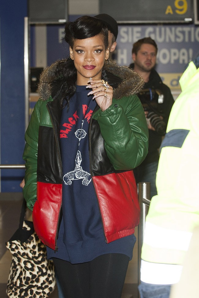 Rihanna à l'aéroport de Berlin le 19 novembre 2012