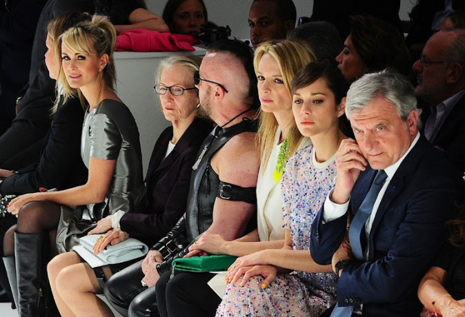 Laeticia Hallyday et Marion Cotillard au défilé Dior organisé à New-York le 7 mai 2014