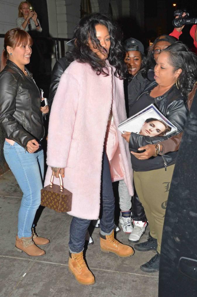 Rihanna : petite mine pour une soirée entre filles !