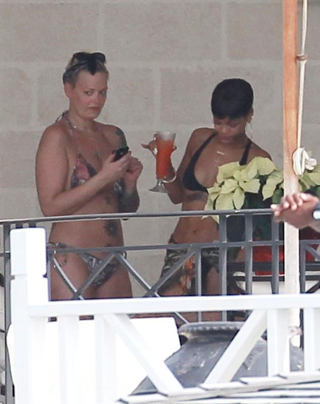 Rihanna en vacances à la Barbade, le 23 décembre 2012.