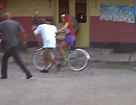 Petit tour de l'île à vélo !