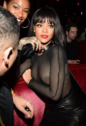 Rihanna lors de l'after-party de la maison Balmain à Paris, le 27 février 2014.