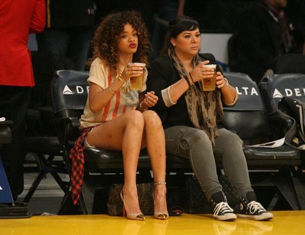Rihanna au match des Lakers le 8 janvier dernier ...
