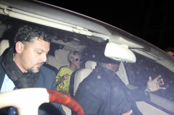 Rihanna quittant le Mahiki à Londres, le 21 février 2012.