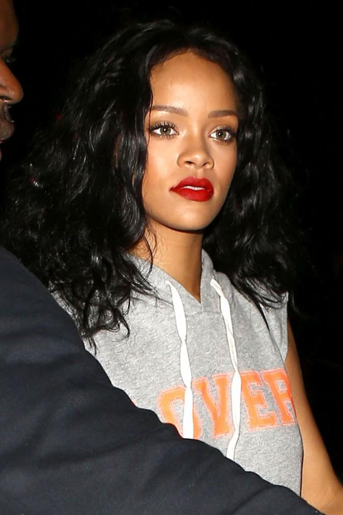 Rihanna à la sortie du restaurant Giorgio Baldi à Santa Monica, le 17 avril 2014.