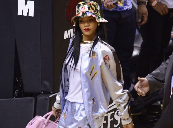 Rihanna : une supportrice super girly qui craque pour LeBron James !