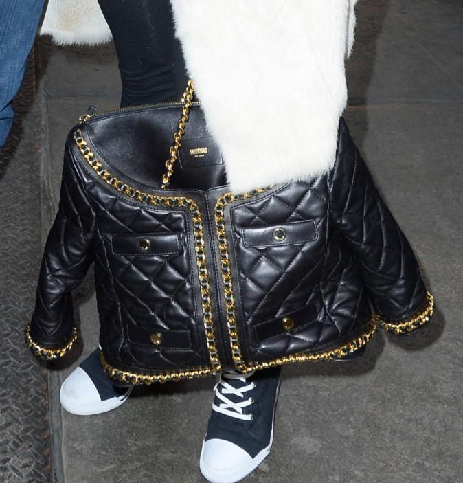 Photos : Rita Ora: après les claquettes, elle dégaine les baskets à talons !
