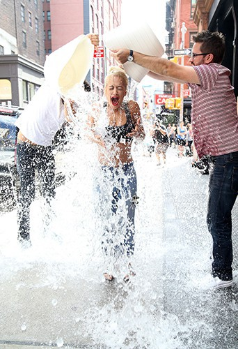 Rita Ora à New York le 18 août 2014