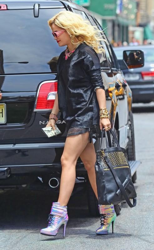 La protégée de Jay-Z a de fort jolies jambes