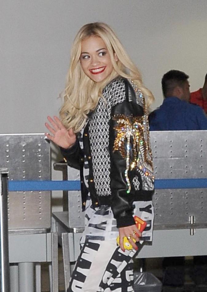 Rita Ora à l'aéroport de Los Angeles le 10 mars 2014
