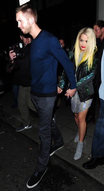 Rita Ora sort du restaurant avec son chéri le DJ Calvin Harris