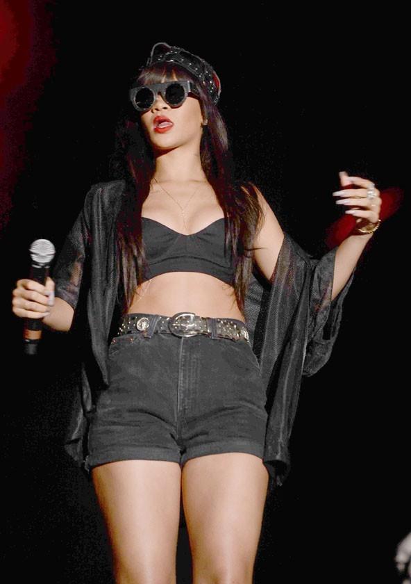 Rihanna sur la scène du festival d'Hackney le 23 juin 2012