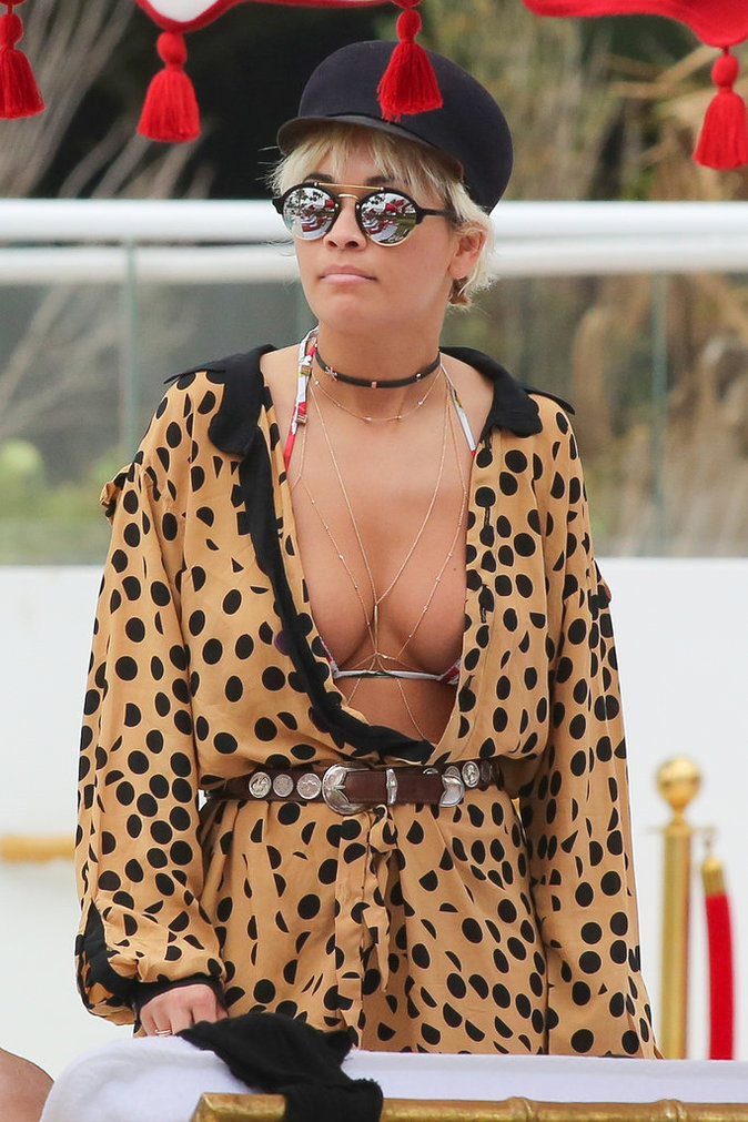 Photos : Rita Ora : piscine et bikini pour oublier Jay-Z !