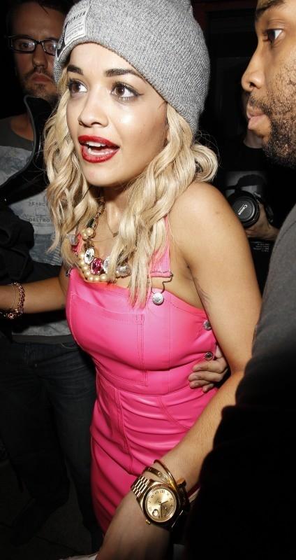 Rita Ora en discothèque à Manchester