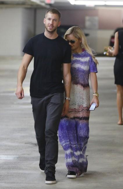 Rita Ora et Calvin Harris à Beverly Hills, le 20 juin 2013.