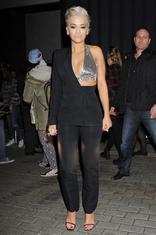 Photos : Rita Ora : so hot en mode boule à facettes, elle enchaîne les sorties sexy !