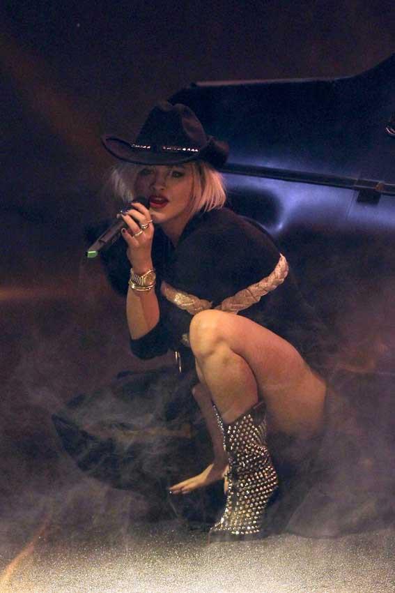 Rita Ora au défilé Philipp Plein organisé à Milan le 23 février 2014