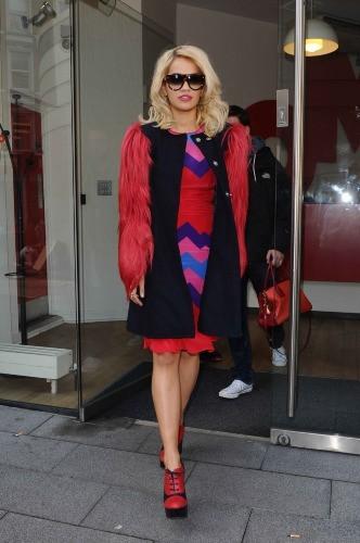 Rita Ora a enchaîné les tenues à Londres