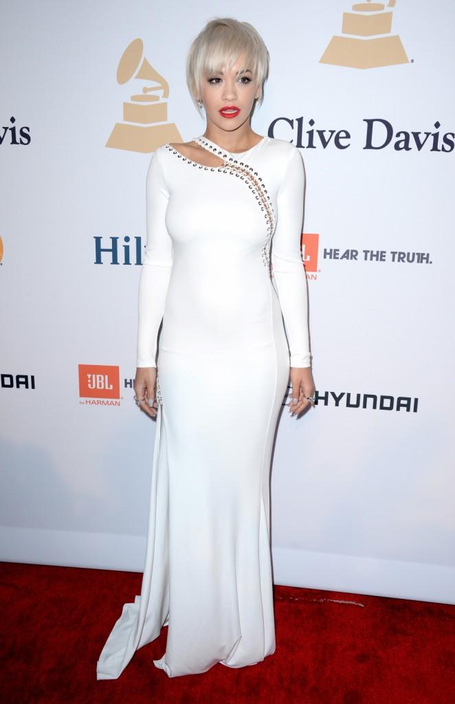 Photos : Rita Ora vs Ciara : sexy en blanc au gala Pre-Grammy Awards !