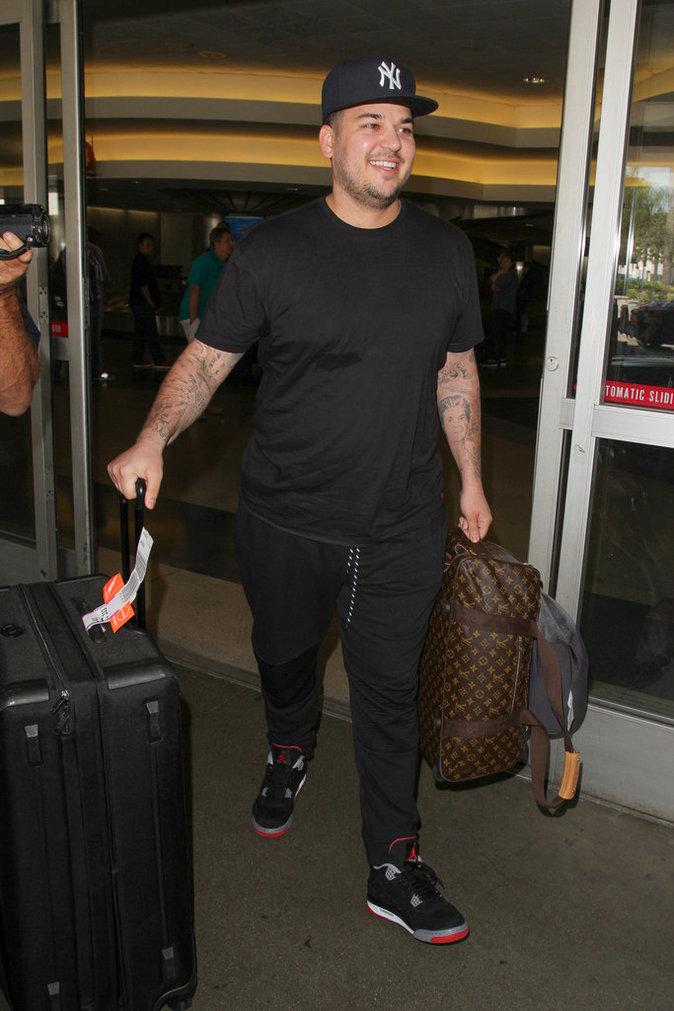Rob Kardashian à l'aéroport de LAX le 18 avril au soir