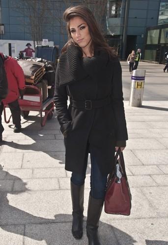 La jolie brune, repérée le 2 avril à l'aéroport de Los Angeles