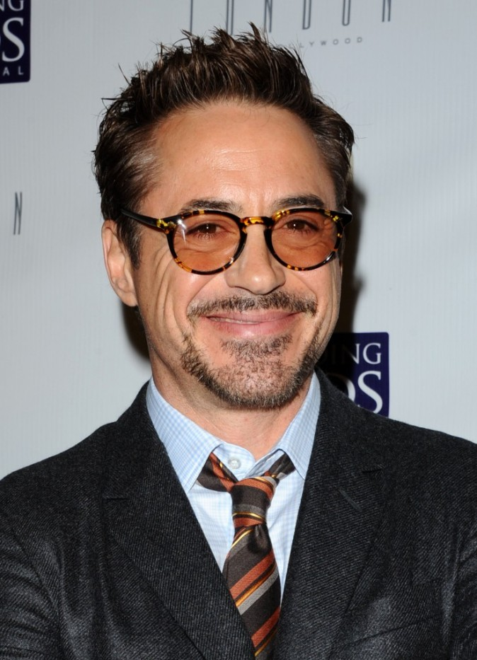 Robert Downey Jr au tournoi de poker caritatif organisé hier à Los Angeles