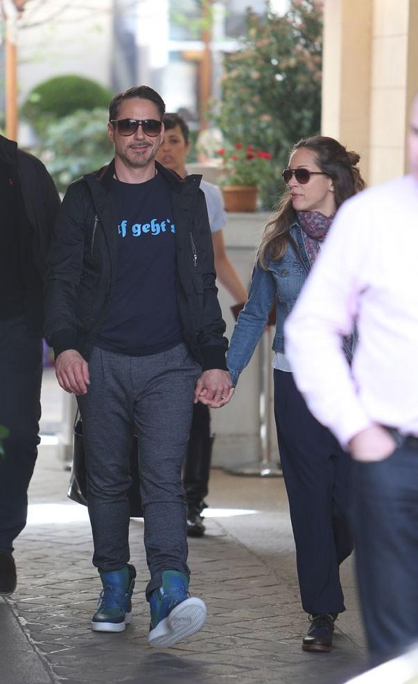 Robert Downey Jr et sa famille à Paris, le 14 avril 2013