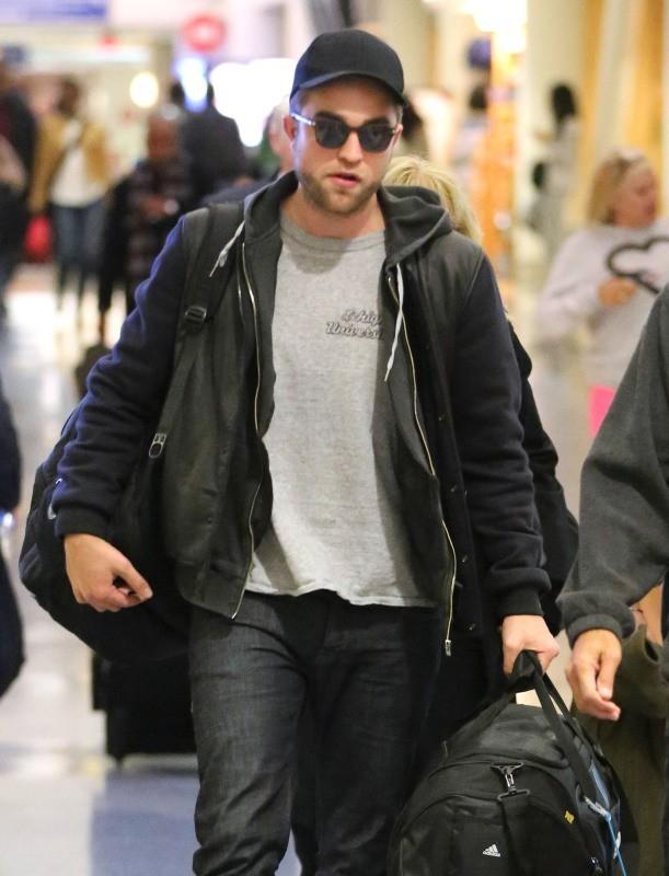 Robert Pattinson le 26 novembre 2012 à Los Angeles