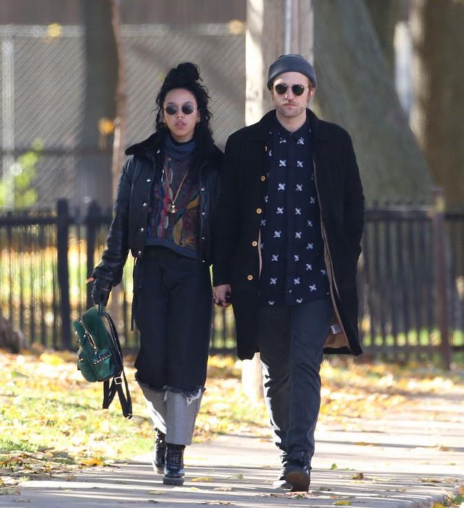 Photos : Robert Pattinson : tout sourire avec FKA Twigs à Toronto, malgré une très mauvaise nouvelle !