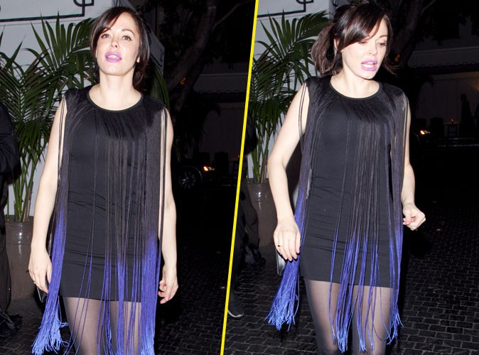 Rose McGowan : lèvres fluorescentes et mini-robe à franges, la star accumule les faux-pas !