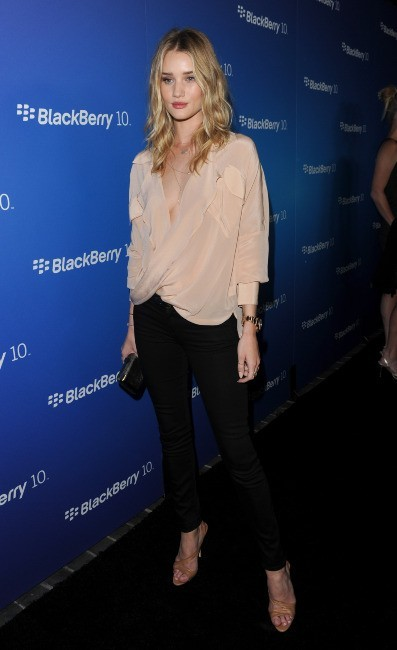 Rosie Huntington-Whiteley lors de la soirée Blackberry Z10 à Los Angeles, le 20 mars 2013.